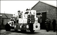 MM 422a Sawtell's Carnival Float